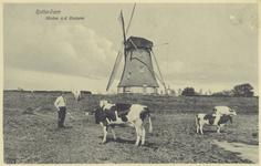 PBK-785 Een watermolen aan de Boezem. Op de voorgrond Jan Valk, een Crooswijkse warmoezier bij de koeien van een buur.