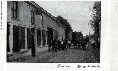 PBK-8251 Straat met koets in Bergschenhoek.