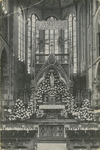 PBK-8267 De Maria-versiering in de maand mei 1929 in de rooms-katholieke Kerk van de Allerheiligste Verlosser aan de ...