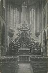 PBK-8268 Maria-versiering in de maand mei in de rooms-katholieke Kerk van de Allerheiligste Verlosser aan de Goudse Rijweg.