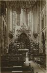 PBK-8269 Maria-versiering in de maand mei in de rooms-katholieke Kerk van de Allerheiligste Verlosser aan de Goudse Rijweg.