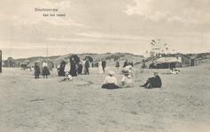 PBK-8458 Badgasten op het strand te Oostvoorne.