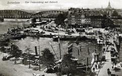 PBK-849 Oudehaven vanuit het oosten. Rechts de Koningsbrug. Op de achtergrond het Bolwerk en de spoorbrug over de ...