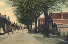 PBK-8507 Gezicht op de School met den Bijbel en de Gereformeerde Bethlehemkerk aan de Drogenhoek, later Delftweg.