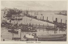 PBK-951 Gezicht op de Leuvehavenmond met op de achtergrond de Boompjes, de Willemsbrug en de Spoorbrug over de Nieuwe ...