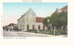 PBK-9676 Bergse Dorpsstraat met hotel Freericks, uit het zuiden gezien.
