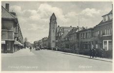 PBK-9754 Kleiweg in de richting van de Straatweg met links de Statenlaan. Rechts de gereformeerde Nassaukerk op de hoek ...