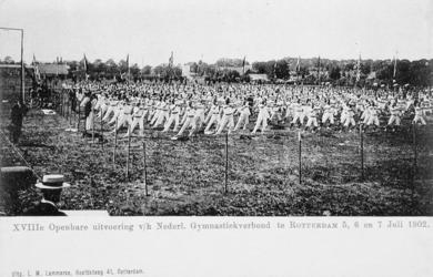 XXXIII-225-3 Gezicht op het Schuttersveld Crooswijk, tijdens de 18e uitvoering van het Nederlandsch Gymnastiek Verbond ...