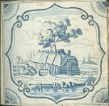 1976-3195-71 Tegelvoorbeeld met tekeningen uit het modellenboekje voor tegels: houten schuur; op voorgrond water; in de ...