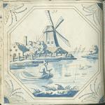 1976-3195-72 Tegelvoorbeeld met tekeningen uit het modellenboekje voor tegels: molen en boerderij aan water op de ...