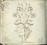 1976-3195-80 Tegelvoorbeeld met tekeningen uit het modellenboekje voor tegels: vaas met bloemen; hoekmotief spin.