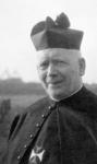 P-003181-1 Portret van Pieter Stephanus Johannes Charles Bakx, r.k. priester (O.S.Cr.), Pater bij de parochie H. ...