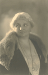 P-004970 Portret van Pauline de Haan-Manifarges, zangeres. Ridder in de Orde van Oranje Nassau.