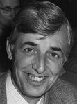 P-005588-1 Portret van Johan de Jong, wethouder van sport en recreatie, openbaar groen en algemene personeels- en ...