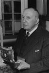 P-006442-2 Portret van Albert Hendrik Magdalus Meerum Terwogt, sportredacteur van de Nieuwe Rotterdamsche Courant.