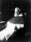 P-020101 Portret van rector en later pastoor Peters verbonden aan de Provenierskerk.