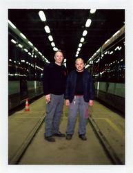 2012-25 Twee mannen bij een onderhoudsplaats voor metro's van de RET. De foto is gemaakt in opdracht van De Kracht van ...