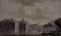 1973-4079 De Binnenwegse Poort en -brug aan de Coolsingel, gezien vanuit het noorden.
