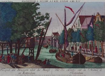 1973-4306 Gefantaseerd havengezicht, waarop in de verte een klein ophaalbruggetje te zien is.