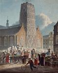 1973-4608 Het Grotekerkplein vóór de Sint Laurenskerk, waar de markt gehouden wordt. Op de achtergrond de Laurenskerk, ...