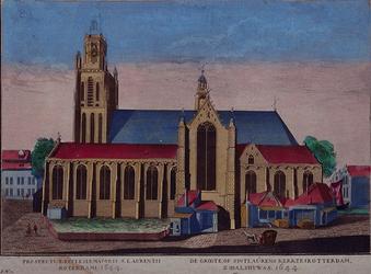 1973-4621 Gezicht op de Grote Kerk aan het Grotekerkplein, bovenste geleding kerktoren weggewerkt maar nog te zien.