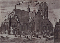 1973-4638 Gezicht op de Grote Kerk aan de Binnenrotte, uit het nooroosten.