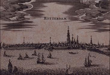1973-4733 Gezicht op de stad over de Nieuwe Maas.