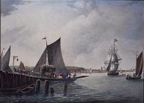 1973-4747 Gezicht op de Maas. Links legt de Veerboot op Katendrecht aan bij de Veerhaven.