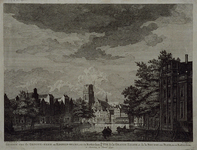 1973-5004 Kolk.Links Westnieuwland, rechts Open Rijstuin en op de achtergrond de Grote Kerk en de Korenbeurs.