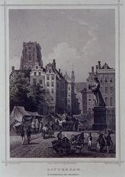 1973-5036 Standbeeld van Erasmus, op de Grotemarkt.
