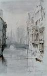 1973-5310 Gezicht op de Steigersgracht in de richting van de Soetenbrug. Op de achtergrond achter de brug de schepen in ...