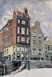 1976-1657 De Krattenbrug over de Delftsevaart met op de achtergrond de Bagijnenstraat, uit het westen.