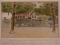 1985-1025 Gezicht op de Schiedamsevest met op de achtergrond de achterzijde van een huis aan de Baan.