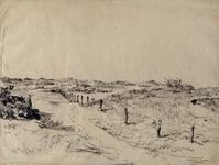 1986-2125 Hoek van Holland. Zandweg langs afrastering in de duinen.