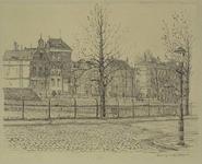 IX-2174 Gezicht op de Noordsingel met het geraseerde stuk bij de Teilingerstraat, uit het oosten.