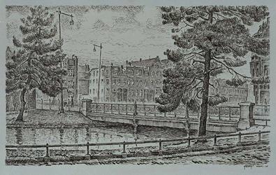 IX-2993 Gezicht op de Spoorsingel met op de voorgrond de Proveniersbrug, uit het zuidoosten.