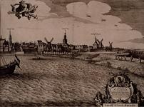 RI-110-D Vierde en meest oostelijk deel van een vierbladig gezicht op Rotterdam over de Maas. Links het koor van de ...