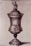 RI-1310 Afbeelding van een drinkbeker van metaal die in juli 1733 door de burgemeester van de stad Leiden gegeven werd ...