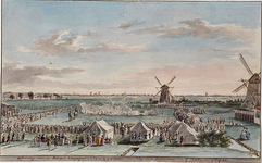 RI-1402 7 september 1785.Schietoefeningen in Cool ten westen van de Rotterdamse Schie bij de Coolse Watermolens. Links ...