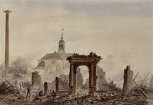 RI-1577 Restanten van de stoomsuikerraffinaderij van P. Tromp na de brand, gezien voor de opgang van de brug, aan de ...