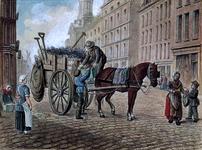 RI-1627-1 Personeel van de gemeentereiniging met vuilniskar op de Kaasmarkt.