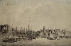 RI-588 Gezicht op de Nieuwe Maas met de Oude Hoofdpoort en het Bolwerk.