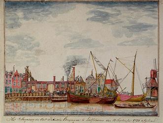 RISCH-175 De brand van het zee magazijn van de Oost-Indische Compagnie in Delfshaven op 13 september 1746.
