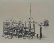 VII-166-26 Gezicht op de Dokhaven met steiger bij de voormalige Scheepbouwersstraat, uit het zuiden.