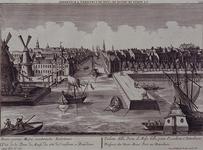 VII-237 Gezicht op de Maas in het midden Leuvehaven, met links twee molens aan de toegang tot de Zalmhaven en rechts ...