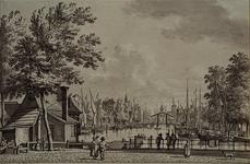VII-244 Leuvehaven uit het noorden vanaf de Zeevismarkt.