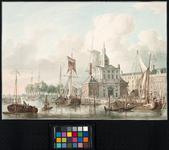 VII-246 De Leuvehaven met rechts daarvan de Nieuwe Hoofdpoort of Wittepoort, gezien vanaf de oostzijde van de haven. ...