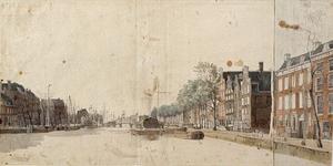 VII-253 De Leuvehaven gezien uit noordelijke richting. In de verte de Leuvebrug en daarachter een der molens nabij het ...