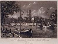 VII-256 Gezicht op de Grotekerk vanaf de Leuvehaven.