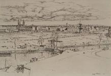 VII-389-08 Gezicht op de Nieuwehaven met de Pakkenbrug van een pand aan het Haringvliet af, uit het zuiden. Op de ...